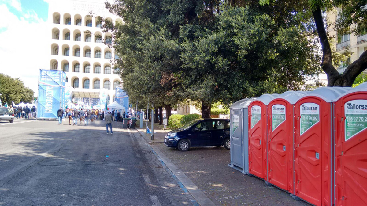 Wc chimici amiko toilet al fianco dei lavoratori roma - Noleggio bagni chimici roma ...